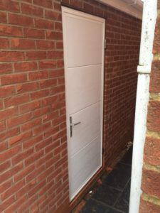 Byron Doors installation of a Ryterna 40mm insulated garage side door in Mansfield
