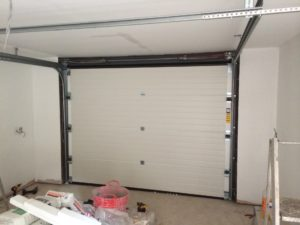 Byron Doors installation of a Ryterna 40mm insulated steel sectional garage door in Mansfield